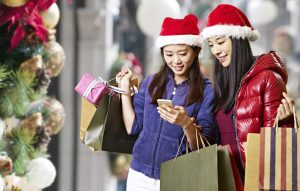 4 Mobile Marketing Tips to Attract Holiday Shoppers in 2017
